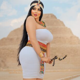 salma elshimy egyptian pharaoh dress sexy photos 3