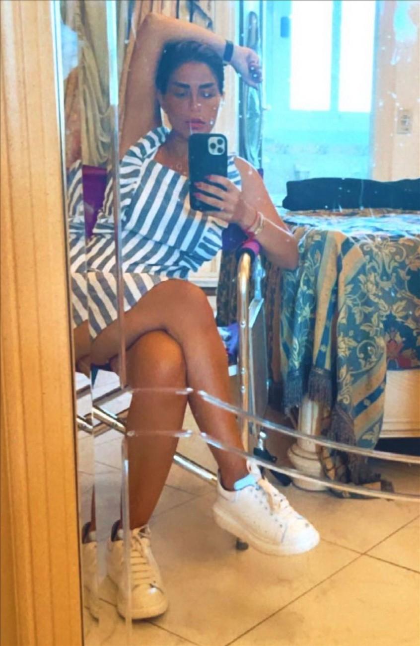 Menna Fadali Nude Thighs Sexy 05