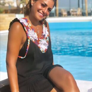 menna fadali naked tanned thighs sexy 03